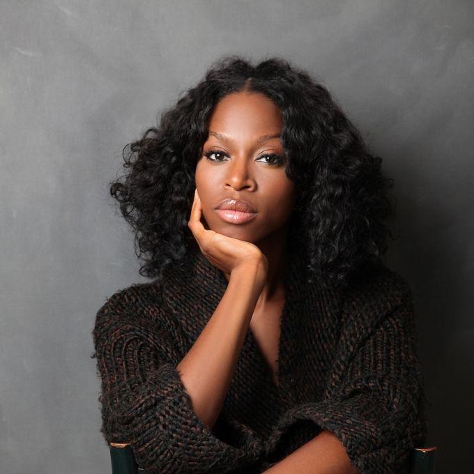 Profilna fotografija: Taiye Selasi