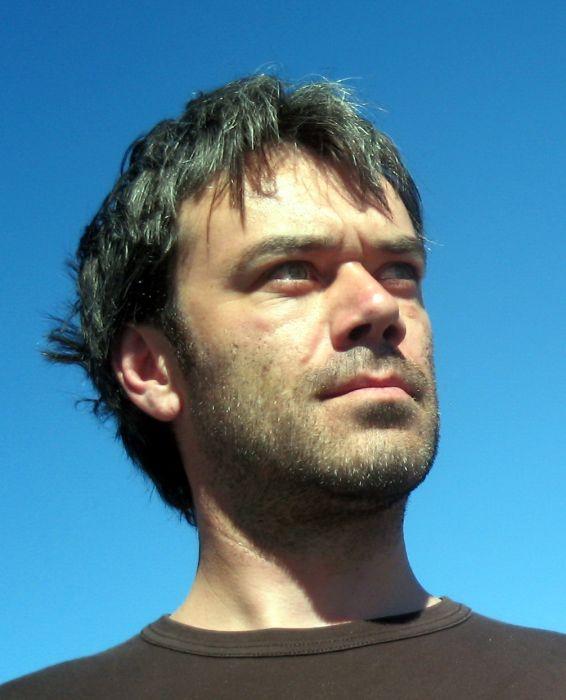 Profilna fotografija: Jakob J. Kenda